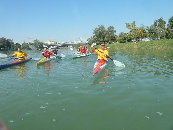 Tour navegando en grupo por el Guadalquivir